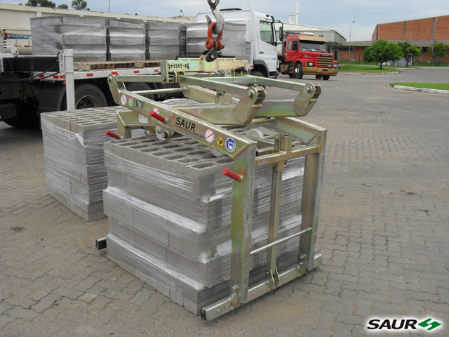 Garra Mecânica para Blocos de Concreto