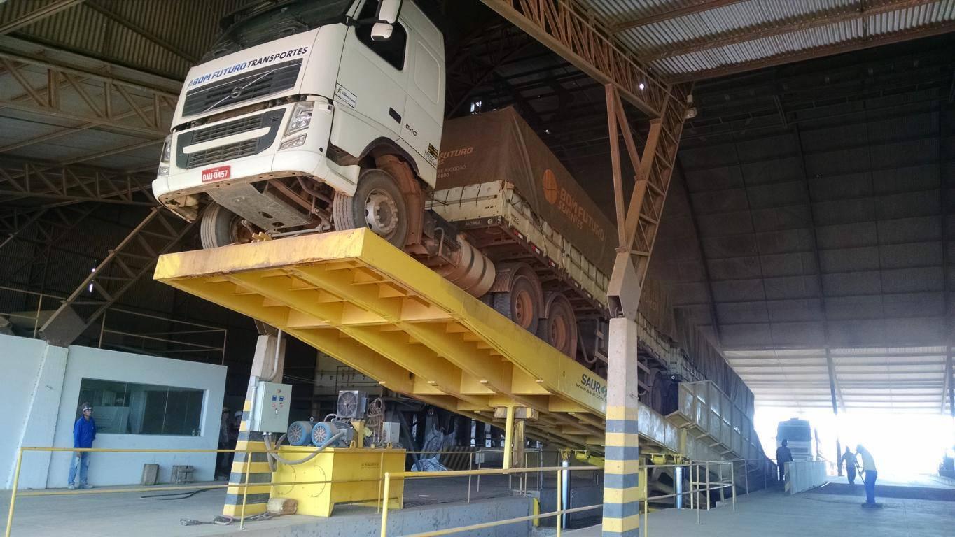 Plataforma de Descarga Traseira 26 metros